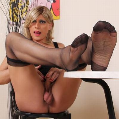 Трансгендер ножки видео, телки подглядывание под юбкой